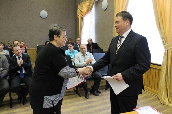 Павел Качан поздравил сотрудников администрации с прошедшим Днем местного самоуправления