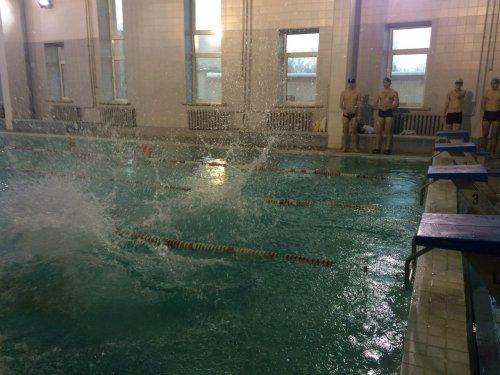 Студенты Озёрска состязались в плавании