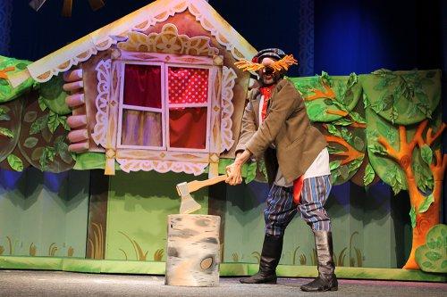 Открытие юбилейного 65-го театрального сезона в Озерском театре кукол