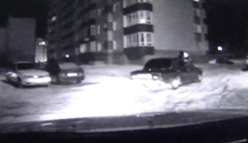 Пьяному водителю за провоз полицейского на капоте грозит 5 лет