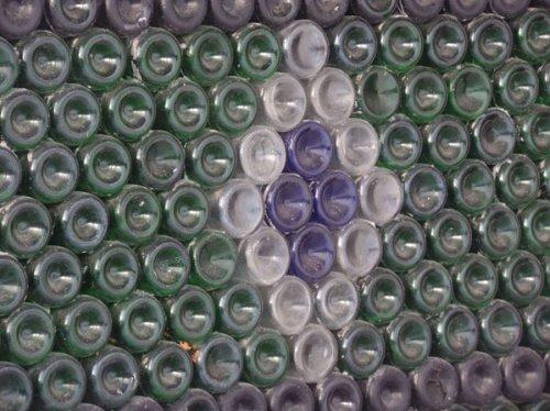 Житель Южного Урала построил дом из 12 тыс. бутылок от шампанского
