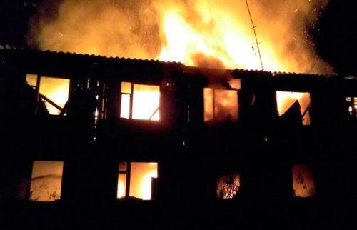 Пять семей остались без жилья из-за оставленного включенным телевизора под Троицком