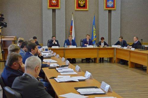 Депутаты утвердили две программы по развитию округа