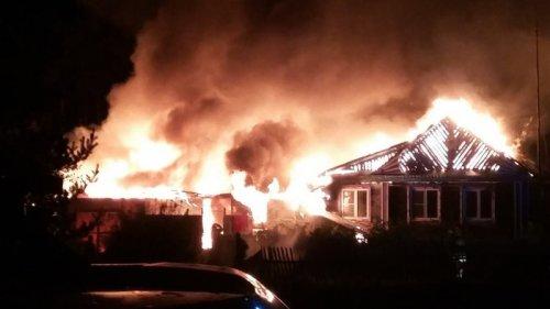 В Кыштыме пожар уничтожил домашнюю скотину, баню и хозпостройки