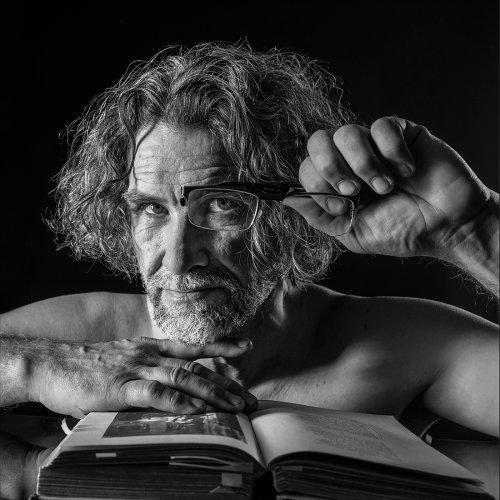Озёрскому фотографу присвоено международное звание