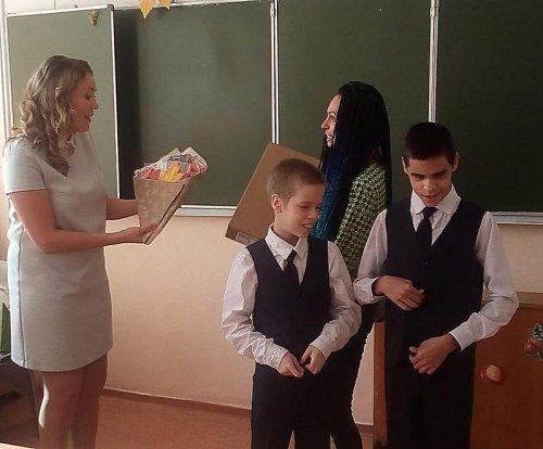 Озерские школьники приняли участие в акции «Дети вместо цветов»