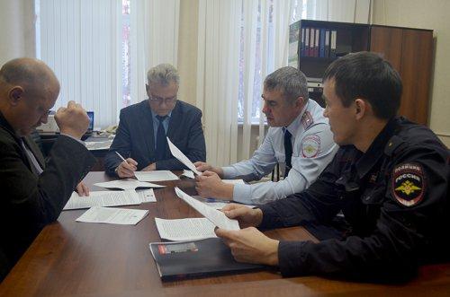 Сотрудники полиции приняли участие в заседании штаба деятельности народных дружин
