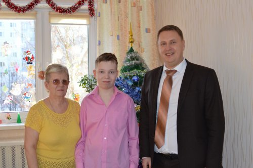 Евгений Щербаков принял участие во Всероссийской акции «Елка желаний»