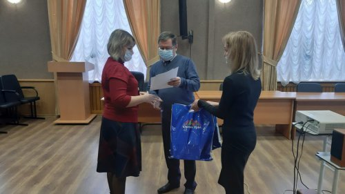 Состоялось поздравление победителей областного конкурса игрушки из вторсырья «Подарки для ёлки»