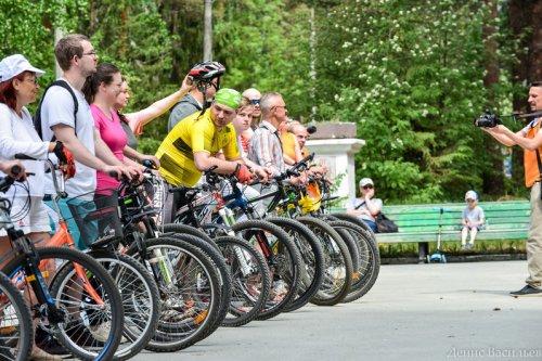 Любители велосипедного спорта в Озерске открыли летний сезон-2021